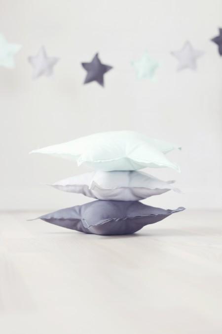 unikke stjernepuder som passer til børneværelset. inspiration til den minimalistisk mor