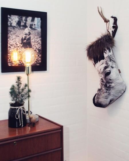 smuk nordisk julestrømpe til kalender gaver. Smuk strømpe til jul. lækkert blødt bomuld med fake uleve pels på