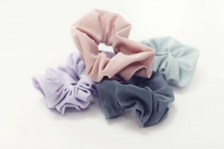 elastikker og schrunchies i basic farver fra lehof